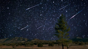 Tonight's Spectacular Meteor Shower Will Fill the Sky With Radiant Shooting Stars